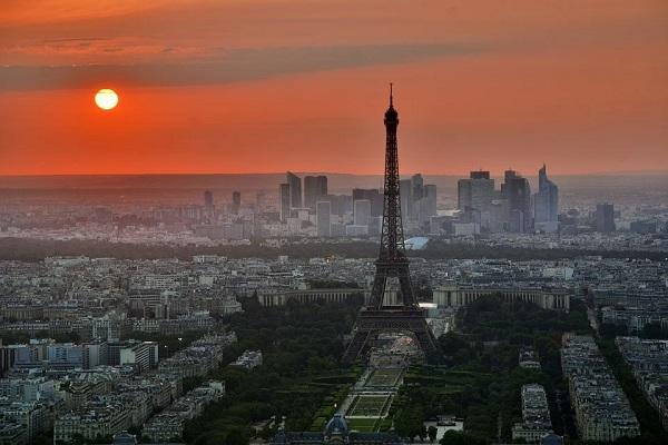 Trasferirsi a Parigi per lavoro : consigli utili